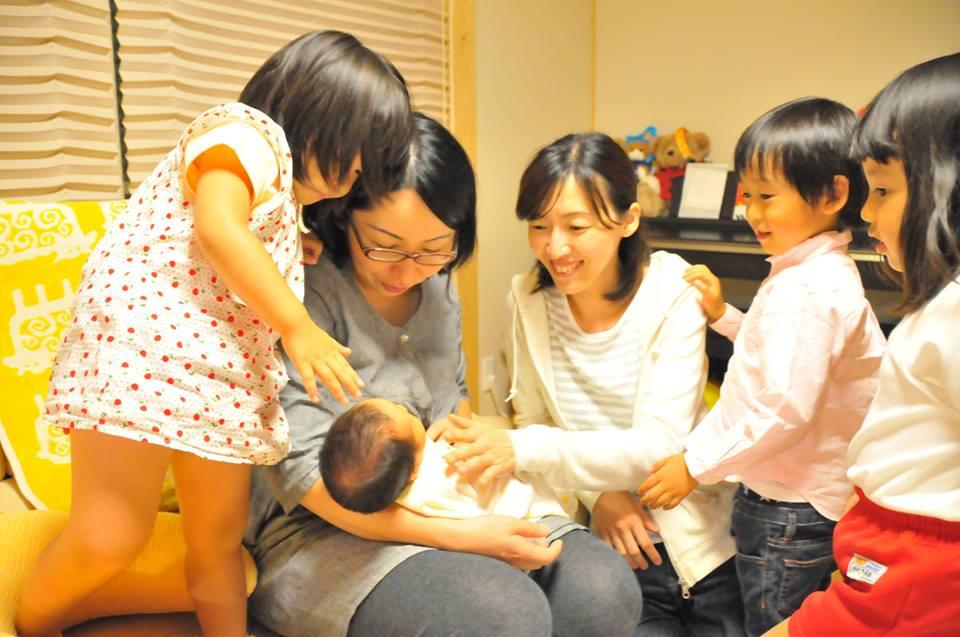 ラヴィドファムは産前・産後の女性に向けたサロンや各種講座をきっかけに女性の活躍をサポートする豊田市の支援団体